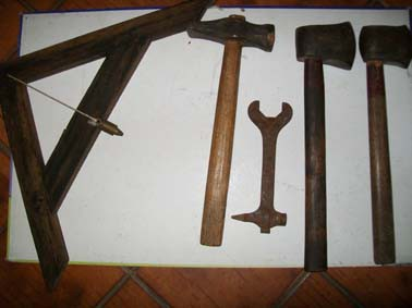 anciens outils.jpg